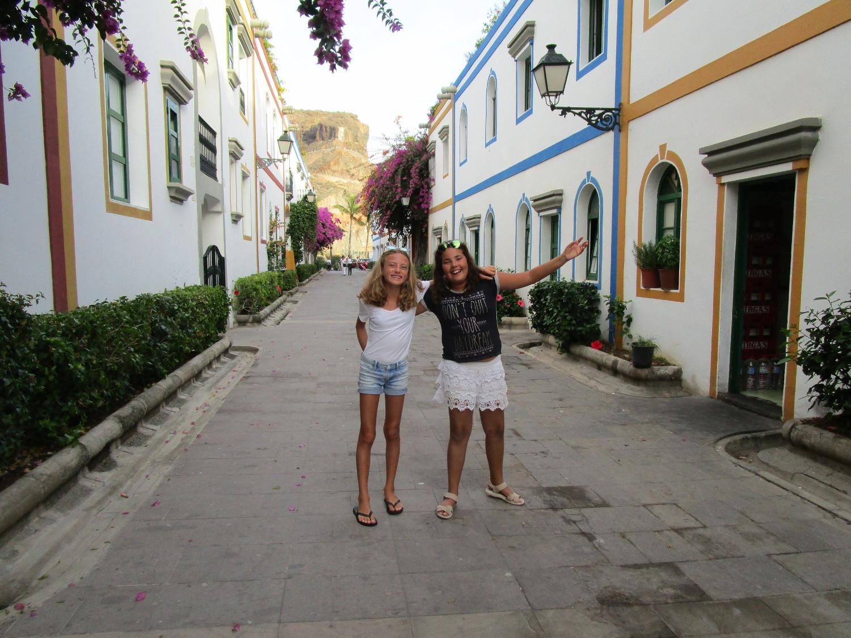 Mathilda och Annika i Porto Mogan
