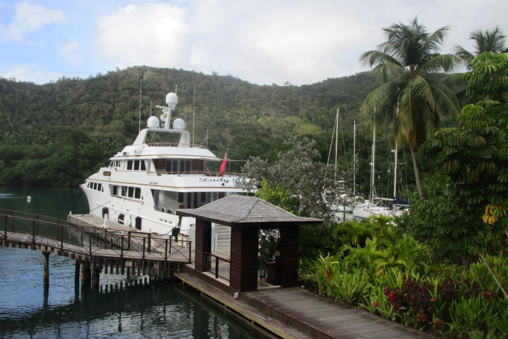 Vi och de andra stora båtarna