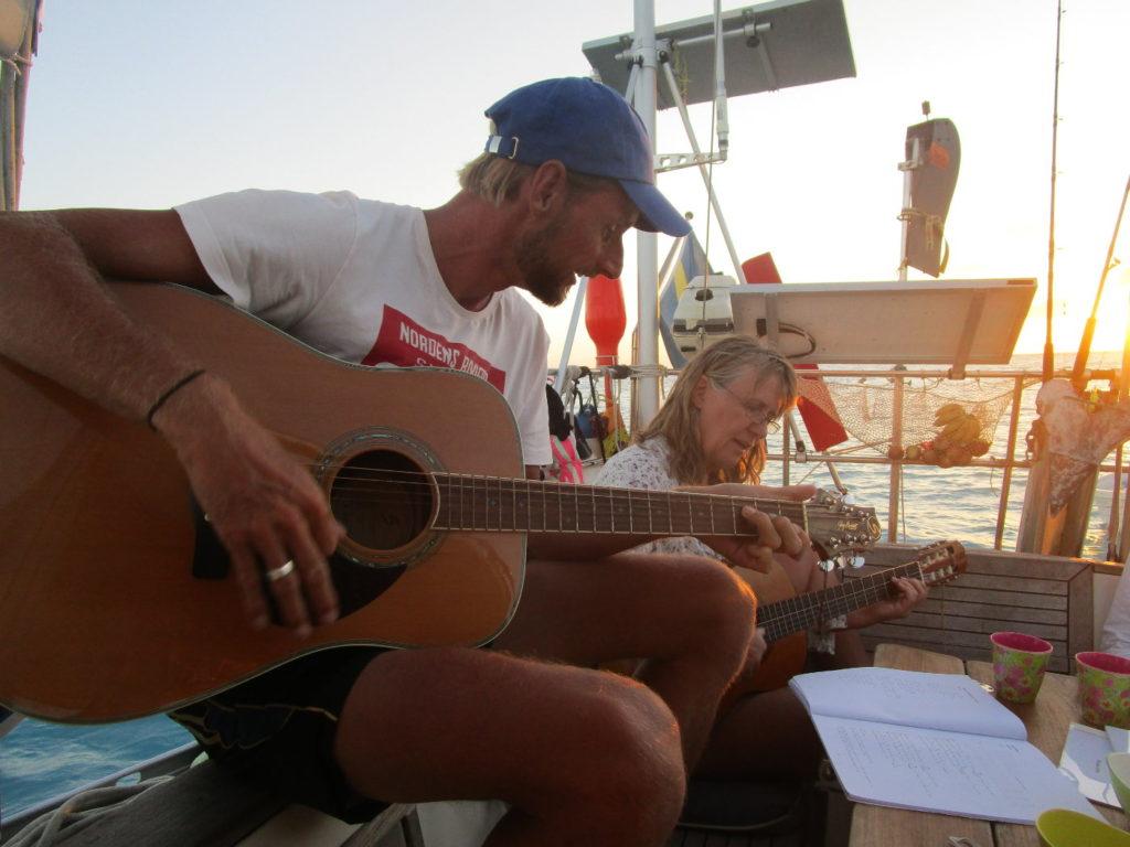 thomas-guitar